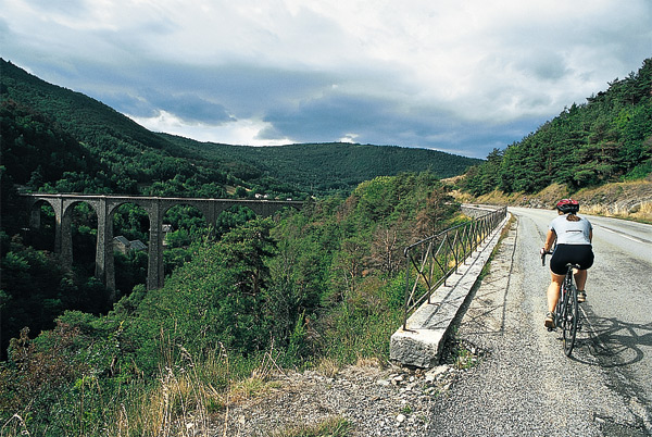 The bridge towards la Mure