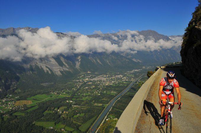 Alpe d'Huez, the Col de Sarenne and the Auris balconies