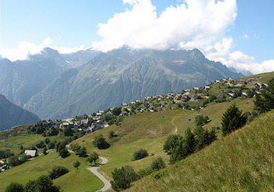 From Oz (resort) to Villard-Reculas