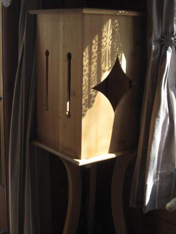 Wooden lamp, the skills of Jean Berthet