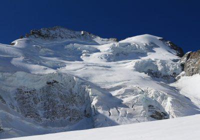 Group climb – The Dôme de Neige des Ecrins (4015m)