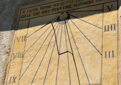 Sundial on La Garde church