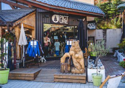 Clothing shop – Pro Shop Picture Les 2 Alpes