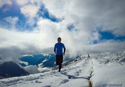 White trail running