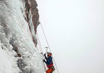 Ice climbing – Les 2 Alpes' Guide Office