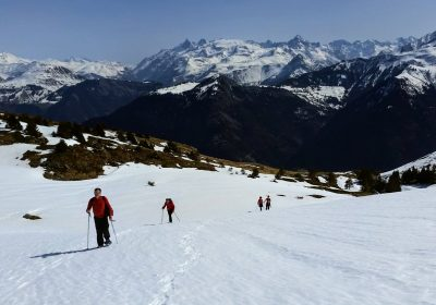 The Taillefer lakes on snowshoes
