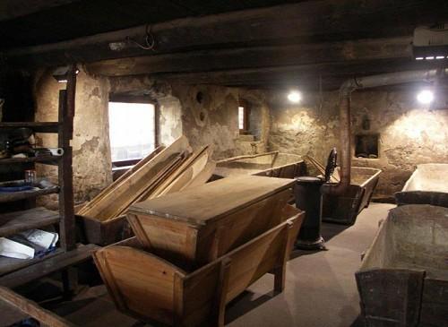 Municipal oven of Villar d'Arène visit (2)